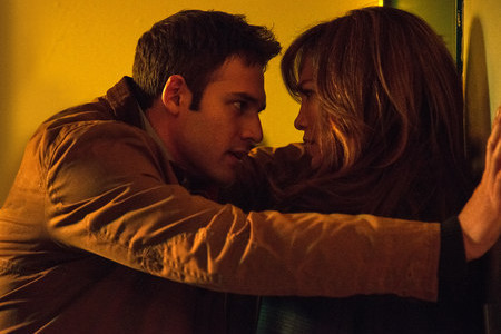 Review: Hardly anything sexy or steamy about 'The Boy Next Door'