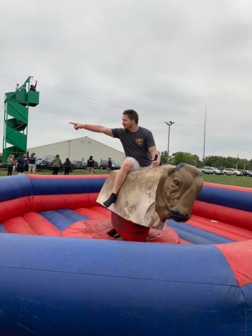 Siena Heights Draws Student Crowd with A Carnival