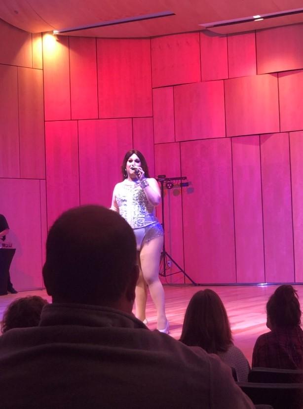 Drag show1